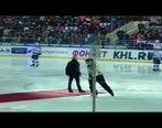 زمین خوردن مورینیو در هاکی روی یخ سوژه رسانهها+فیلم